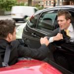5 dezavantaje ale unui stil de condus agresiv